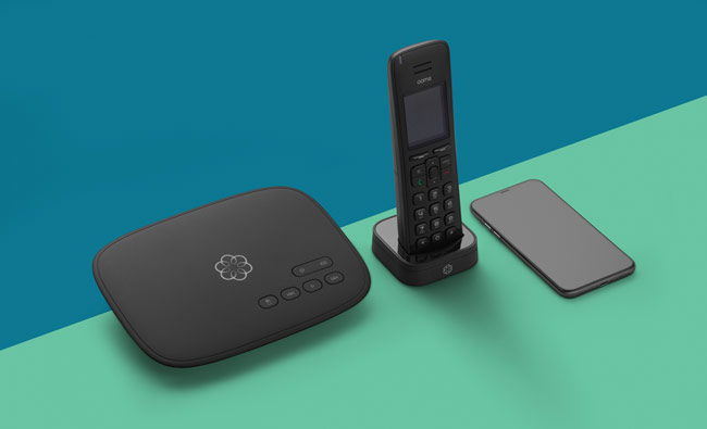 Home internet phone system with base station and handheld.